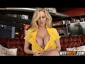 mother is Fucking Hardcore Julia Ann 2 001
