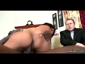 Big booty brunette MILF mounts black rod..