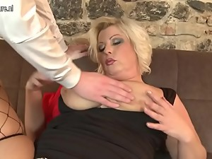 Sexy chubby mom fucking and sucking not..