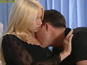 nice blonde - PORNXL.ORG : REAL MOM AND..