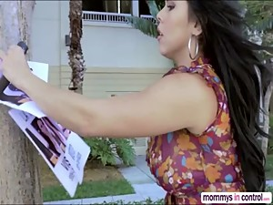 Hot stepmom finds missing Ava in her..