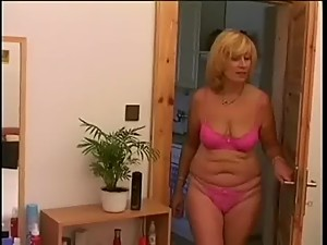 Mature with saggy boobs takes young dick