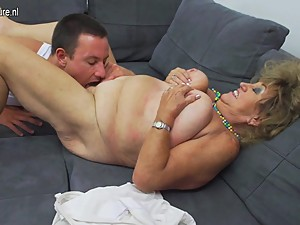 Mature BBW mom fucking and sucking not..