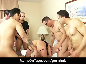 Hot city MILF banging like a pro