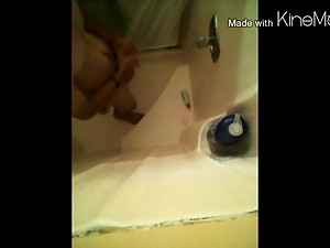 Teen masturbating in the shower