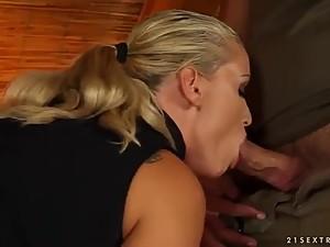 blonde mom kathia nobili doing a blowjob..