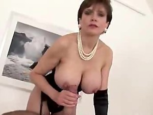 LADY SONIA Want me to make you Cum ?