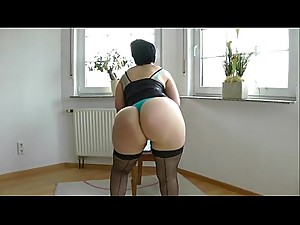 Older Milf Amateur Big Ass Fucked By Son.